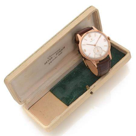 ZENITH ANNEES 1950 A 18K pink gold manual winding wristwtach by Zenith, from the 50's.