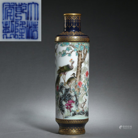 QING DYNASTY, CHINESE QIANLONG MARK FAMILLE ROSE VASE