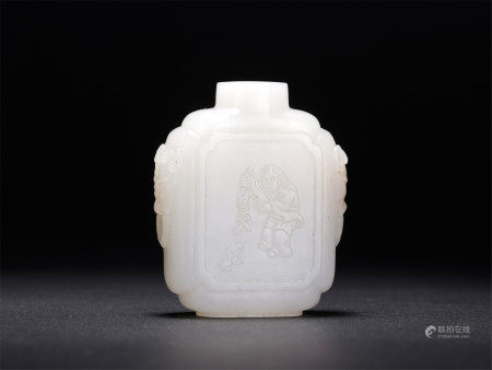 A CHINESE CARVED WHITE JADE SNUFF BOTTLE