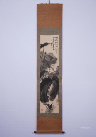 A CHINESE HANGING SCROLL PAINTING OF LOTUS