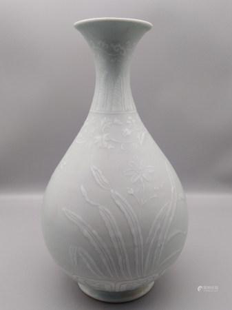 清 花卉玉壶春瓶
