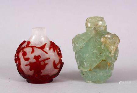 A GOOD CHINESE PEKING GLASS OVERLAID SNUFF BOTTLE & OTHER, the stuff bottle overlaid with scenes of bats, peac
