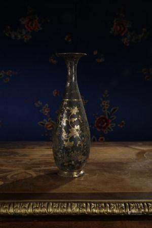 A GILT-DECORATED BLACK VASE, JING PING. SONG DYNASTY.