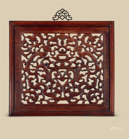 明代(1368-1644) 黄花梨镂雕龙纹挂屏