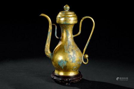 青铜鎏金执壶