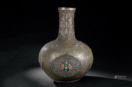 铜鎏银嵌百宝缠枝莲纹天球瓶