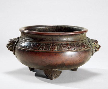 清代(1644-1911) 铜双狮耳香炉