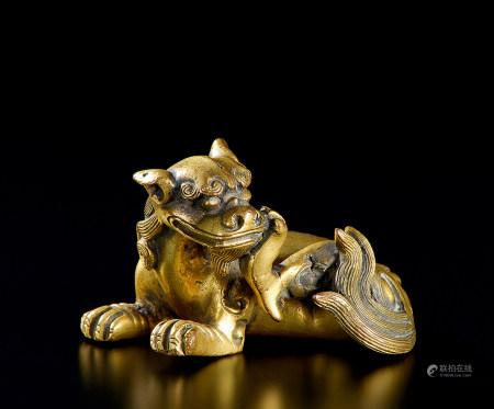 清代(1644-1911) 铜鎏金瑞兽文镇