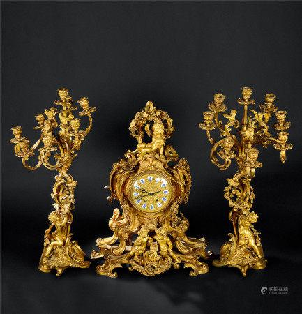 18世纪 西洋铜鎏金天使纹座钟 烛台 (三件套)
