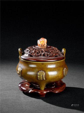清乾隆(1736-1795) 铜鎏金梵文冲天耳香炉