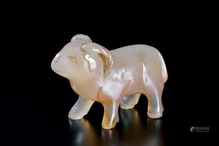 清代(1644~1911) 玛瑙雕羊形摆件