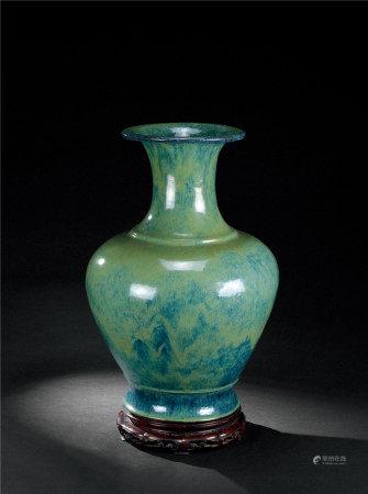清中早期 宜兴窑海鼠釉赏瓶