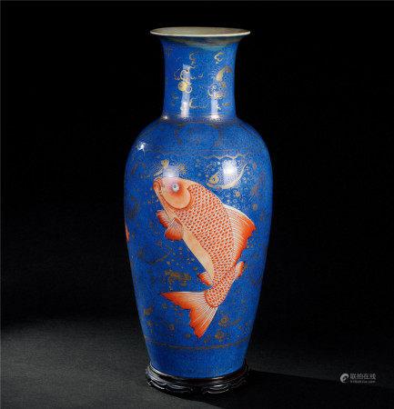 清康熙(1662~1722) 霁蓝地金彩矾红鱼纹瓶