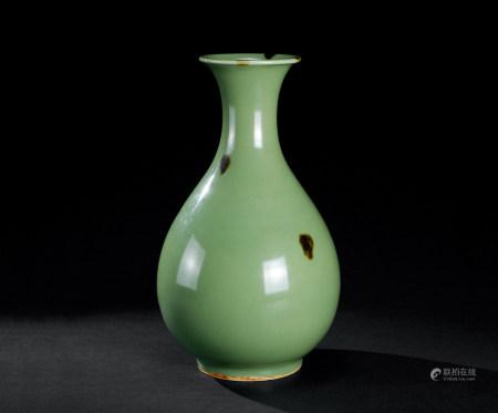 明代(1368~1644) 飞青瓷玉壶春瓶