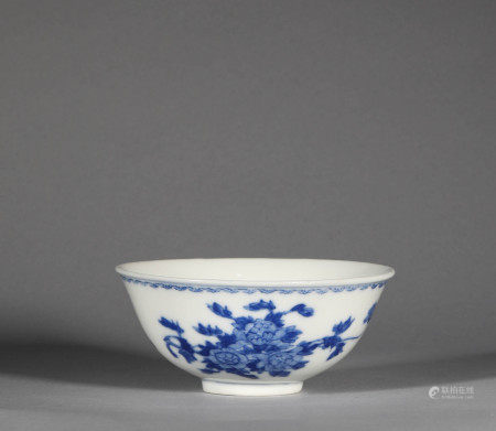 Qing Dynasty Blue and White Bowl with Floral Pattern