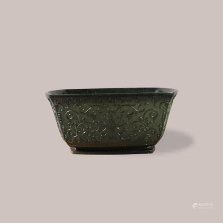 清 碧玉花卉纹碗