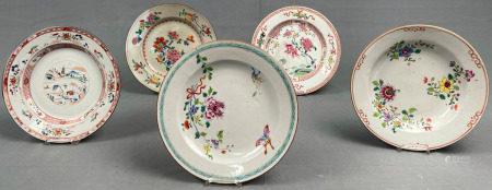 5 Teller. Wohl China alt, 18. / 19. Jahrhundert.