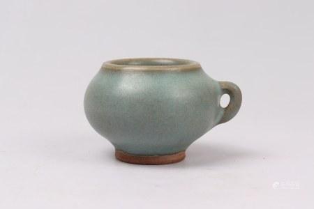 A Jun-type Porcelain Jar 钧窑罐