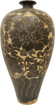 磁州窰白地黑釉剔花瓶