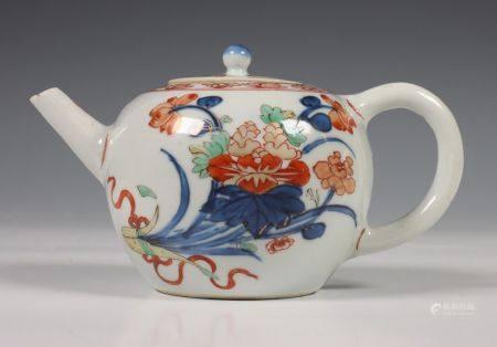 China, Imari trekpotje, 18e eeuw,