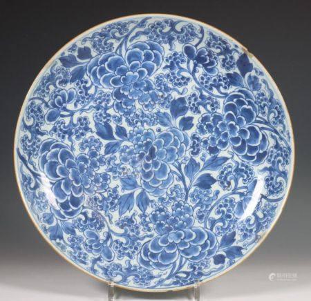 China, blauw-wit porseleinen schotel, 18e eeuw,