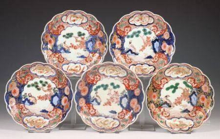 Japan, serie van vijf Imari plooiborden, Edo periode, 18e eeuw,