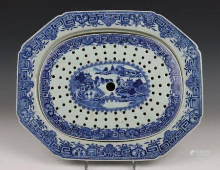 China, blauw-wit porseleinen kom en kantige dienschaal met lekschaal, Qianlong,