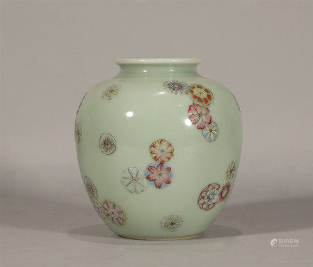 Qing style, Qian Long, famille rose pi qiu hua porcelain jar