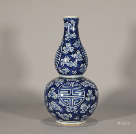 Qing style, blue and white porcelain gourd vase