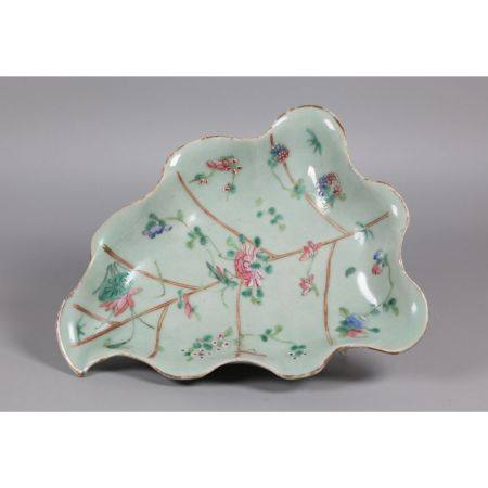 Chinese leaf form porcelain tray, possibly 19th c.