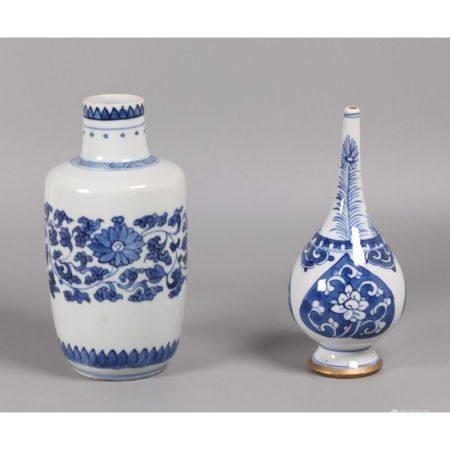 2 Chinese blue & white porcelain vases, possibly 18th c.
