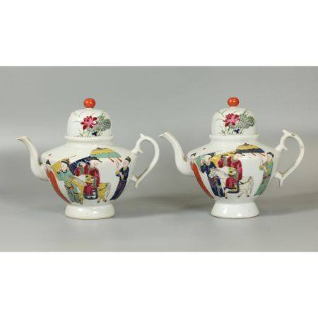 pair of Chinese teapots, possibly 18th/19th c.