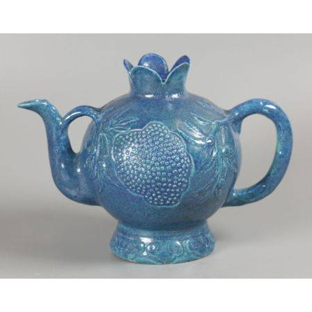 Chinese porcelain teapot, possibly Qing dynasty