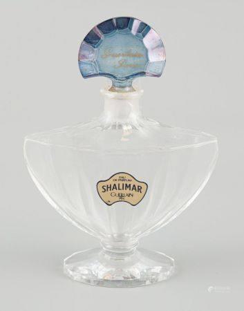 BACCARAT. Flacon d'eau de parfum Shalimar de Guerlain, Paris.