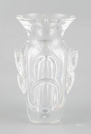 VAL SAINT LAMBERT. Vase en cristal. Haut 19cm.