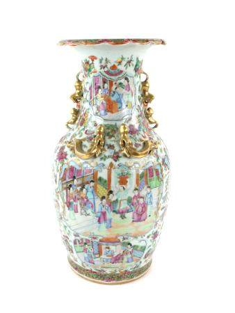 Chinese Canton famille rose vase decorated with Manchu/Chinese figures in a narrative scene,