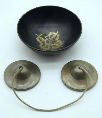 A pair of Tibetan Tingsha bells and a small singing bowl 12.3cm (2)