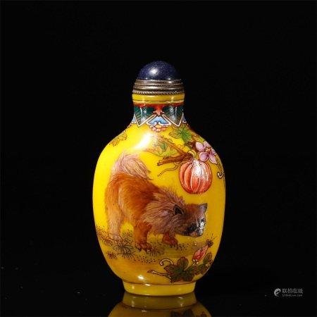 A dog patterned glass snuff bottle