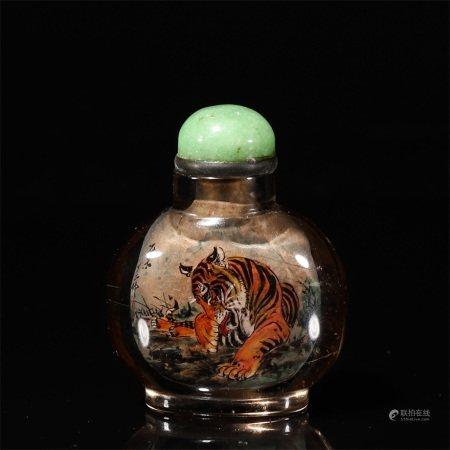 A tiger patterned glass snuff bottle