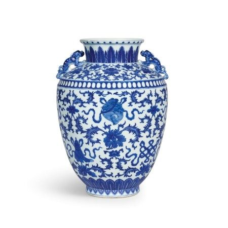 A blue and white 'bajixiang' handled jar Seal mark and period of Qianlong | 清乾隆 青花八吉祥夔龍耳罐 《大清乾隆年製》款