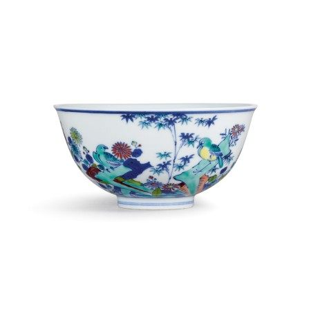 A doucai 'bird and flower' bowl Seal mark and period of Qianlong | 清乾隆 鬪彩安居圖盌 《大清乾隆年製》款