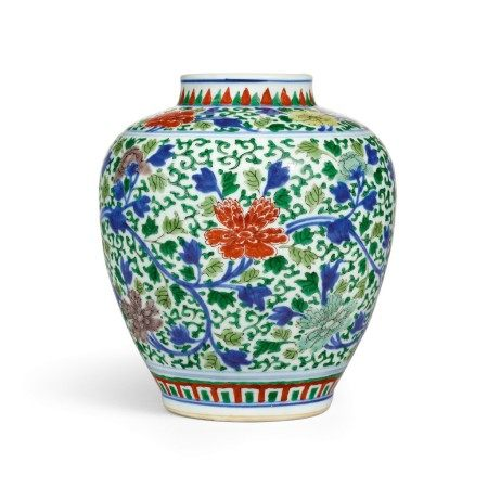 A wucai 'floral' jar Mark and period of Kangxi | 清康熙 五彩花卉紋罐 《大清康熙年製》款
