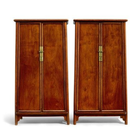 A pair of huanghuali round-cornered tapered cabinets, yuanjiaogui Late Ming – early Qing dynasty | 明末至清初 黃花梨圓角櫃成對