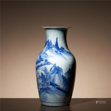Qing Qianlong green landscape bottle
