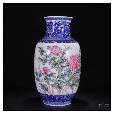 清 青花粉彩花卉瓶
