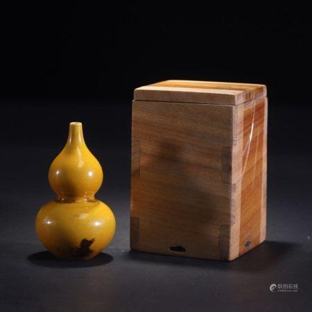 清 康熙 黄釉葫芦瓶
