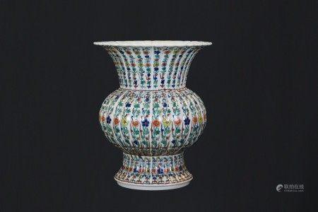 鬥彩瓣形水壺「大清雍正年製」款
