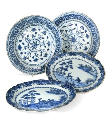 A pair of Chinese export blue and white porcelain dishes, Qianlong period (1736-1795),