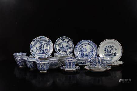Large lot, mainly 19th century Chinese porcelain with blue decoration b.u. 22 plates and 11 cups, di