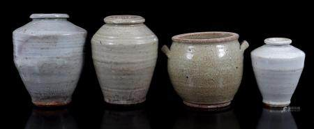 4 earthenware vases with partial glaze, Swatow, Ming dynasty 1368-1644, highest 19.5 cm